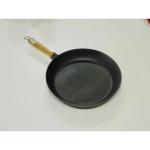 Сковорода чугунная с деревянной ручкой 260*40 (Берлика)